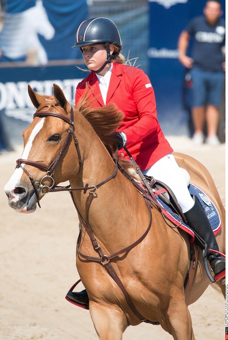 Еще одно дорогостоящее хобби Софьи - лошади. Фото: EAST NEWS.