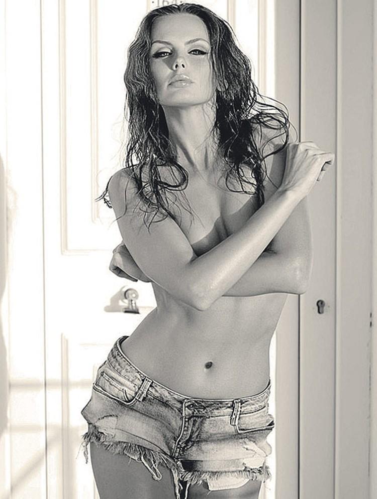 Красавица Юлия была главной моделью своего мужа-фотографа.