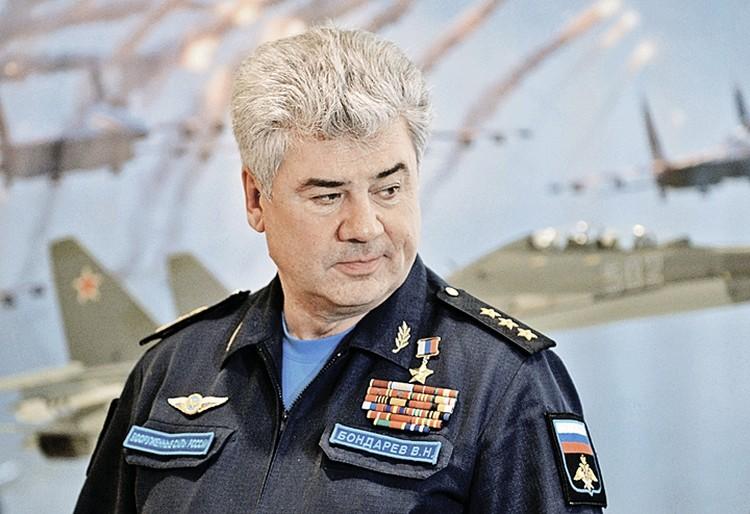 Главком ВКС России Виктор Бондарев. Фото: Сергей МАМОНТОВ/РИА Новости