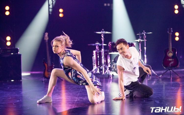 Юле 17 лет, Ильшату — 38, но разница в возрасте не мешает круто танцевать в дуэте. Фото ТНТ.