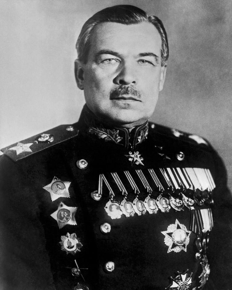 На пятой строчке виртуального рейтинга советских маршалов условно находится Леонид Александрович Говоров