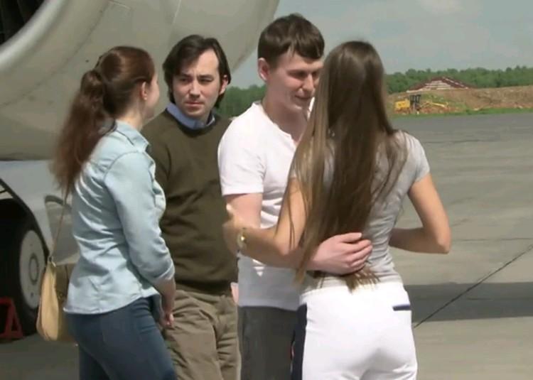 Александр Александров и Евгений Ерофеев вернулись на Родину.