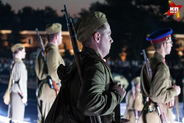 На рассвете 22 июня в крепости много говорили о памяти погибших.