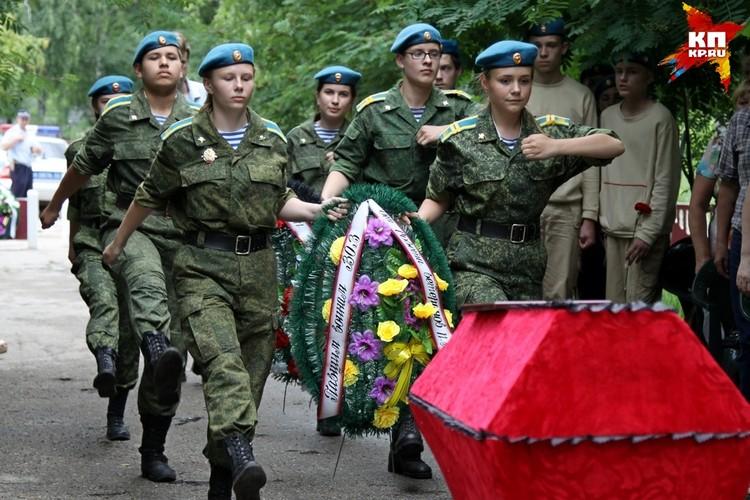 Церемония перезахоронения останков Михаила Ульянова.