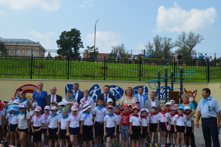 Фото на память с будущими спортсменами - воспитанниками детского сада №98