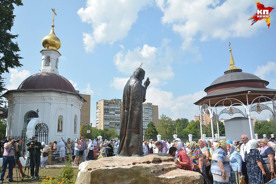 создайте памятник серафиму саровскому в орле фото язычки прекрасно расслаиваются
