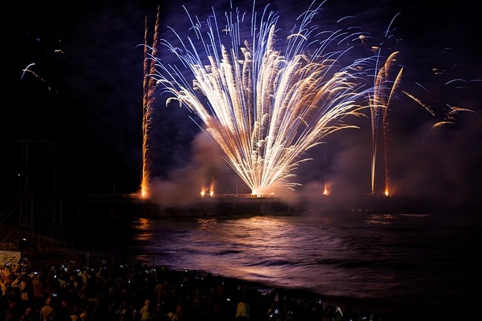 фото с фестиваля фейерверков в зеленоградске утята покорили сердца