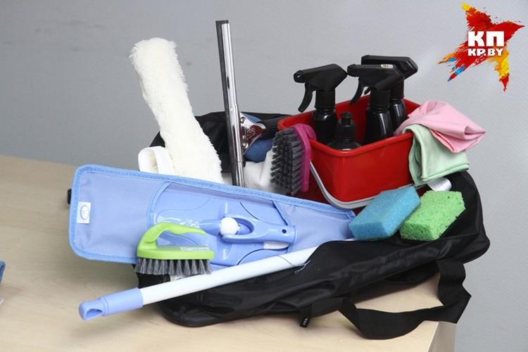 Это только на первый взгляд кажется, что сумка клинера маленькая. На самом деле в ней есть все для идеальной уборки.