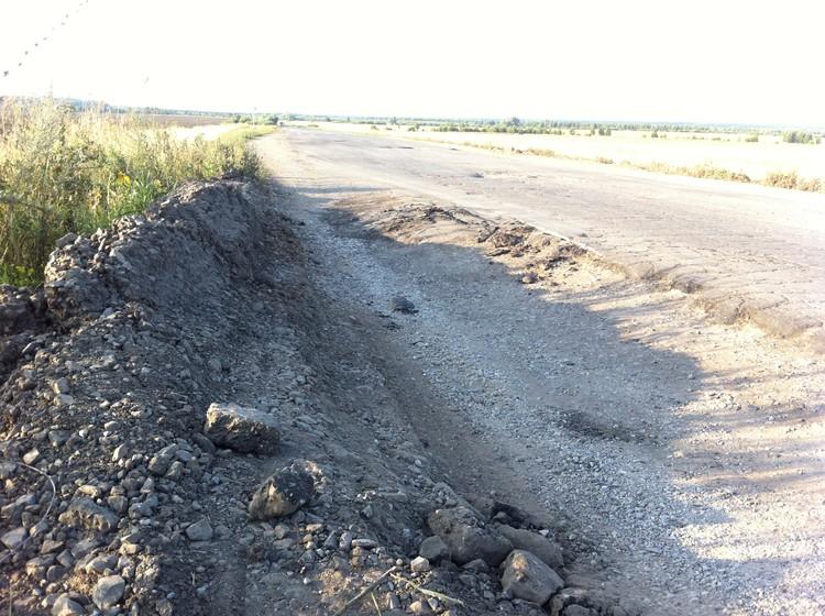 Тяжелые грузовики разъездили дорогу в хлам. Трасса между Самарой и Казанью опасна, в особенности ночью