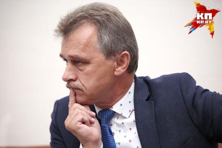 Анатолий Лебедько подумывает о непривычной для себя роли помощника депутата.