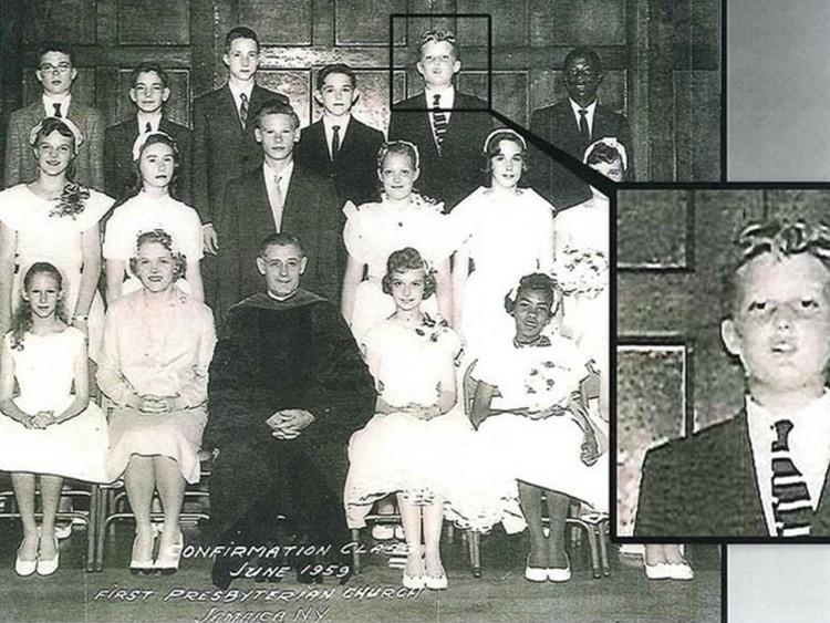 Будущий президент с одноклассниками пресвитерианской школы.