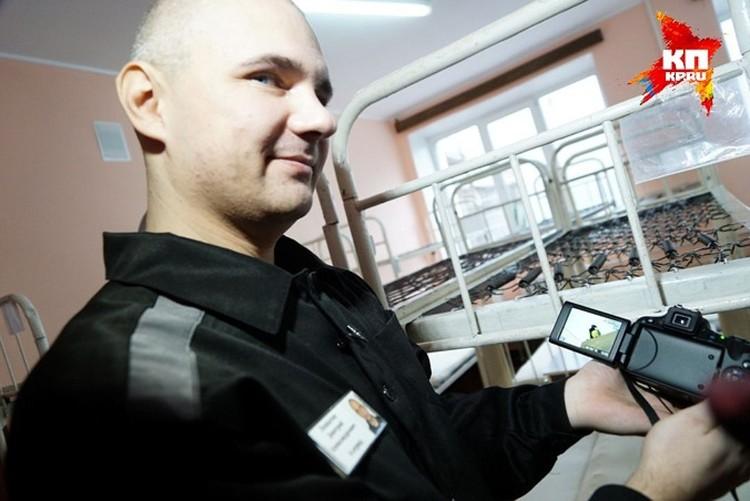 Дмитрий Лошагин, по словам осужденных, зарабатывает до 100 тысяч рублей в колонии