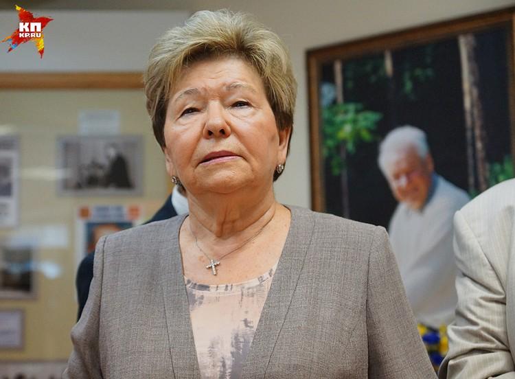 Наина Ельцина заявила, что возмущена высказыванием Никиты Михалкова