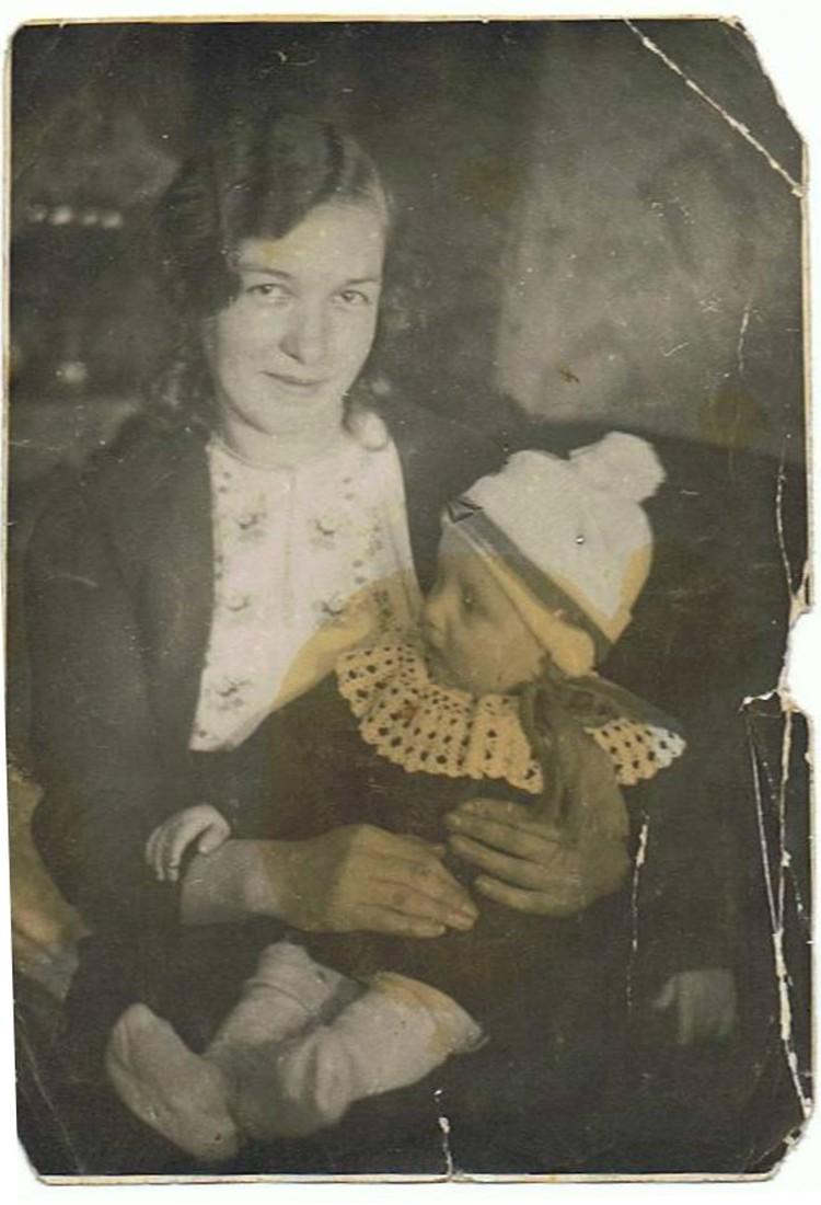 Соловьева с сыном. Фото: Из семейного архива Куликовских