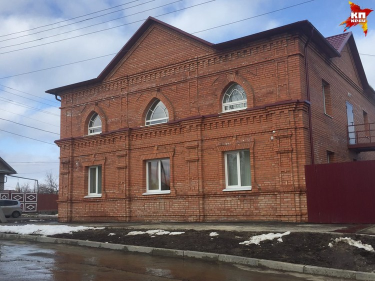 """Вячеслав Володин осмотрел новое здание """"скорой помощи"""" в Вольске."""