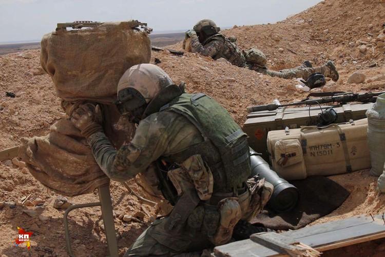 Как только бойцы ССО находят цель, они сразу передают координаты в командный пункт. Дальше работает авиация