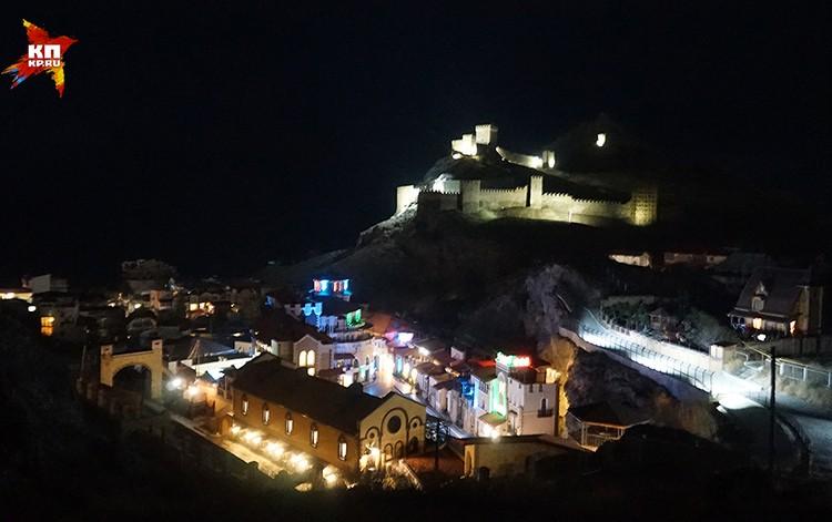 Главный туристический объект Судака, а может быть и всего Крыма, - крепость