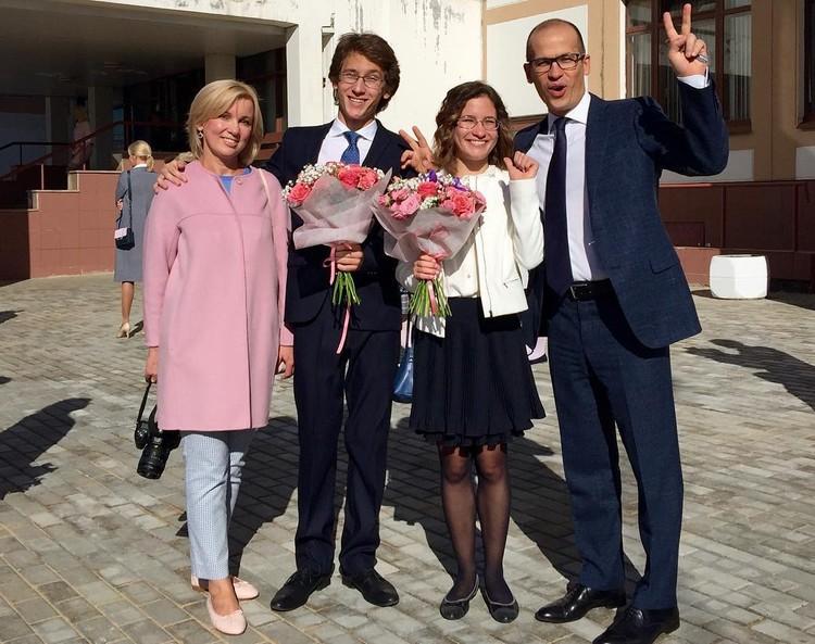 10-й класс...) Всех с Днём Знаний! Фото: instagram.com/brechalov