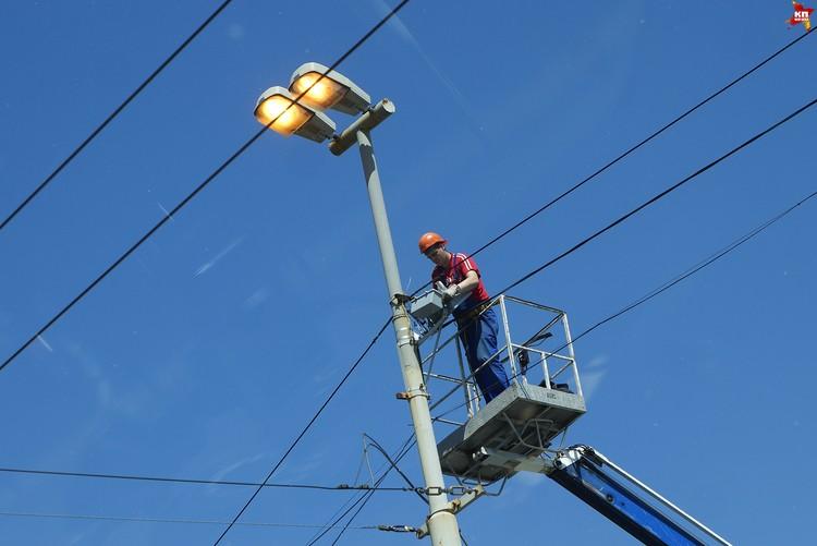 В мае 2014 года администрация Рязани заключила контракт с ООО «ГПБ-Энергоэффект» по замене 16 тысяч уличных фонарей.