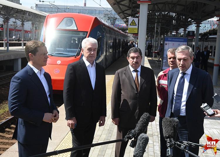 Среди первых пассажиров был и мэр Москвы