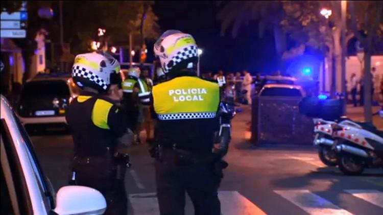 В каталонском курортном городке Камбрильяс полицейским удалось предотвратить атаку, аналогичную барселонской