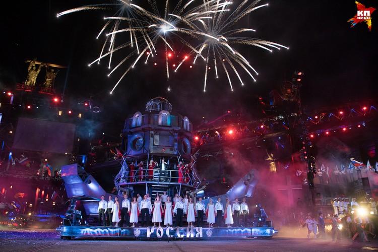 И вот она – главная декорация кульминации, главный герой байк-шоу - Реактор, символизирующий русский характер с космической русской душой.