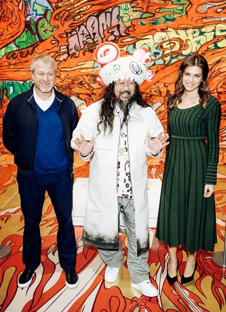 Роман Абрамович, Дарья Жукова и главный герой вечера - Такаси Мураками. ФОТО предоставлено организаторами