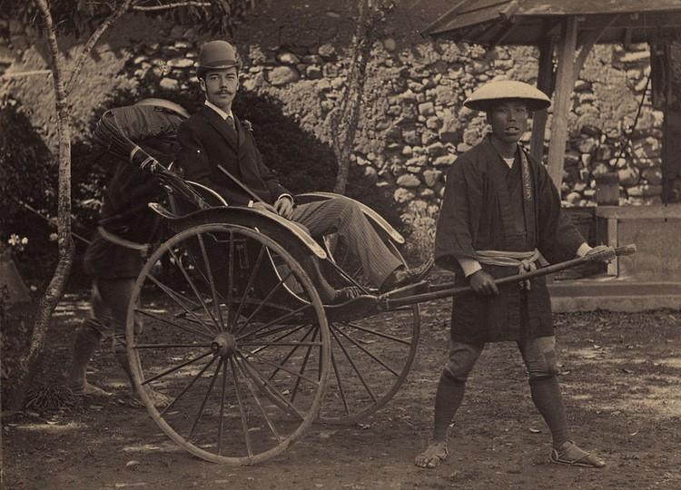 В 1891 году будущий император находился в Японии и был ранен полицейским.