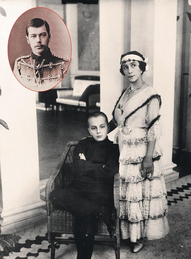 Кшесинская с сыном, отцом которого многие считают Николая II (фото царя - в овале). Фоторепродукция Александра ГЛУЗА/«КП» - Санкт-Петербург