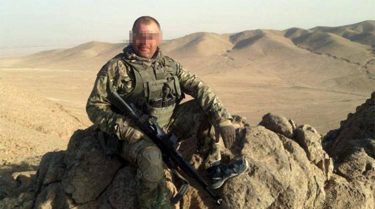 Эту фотографию опубликовали боевики. По их утверждению фото они нашли в телефоне убитого россиянина.
