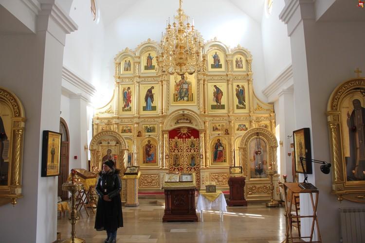 Свято-Никольский женский монастырь, внутреннее убранство храма.