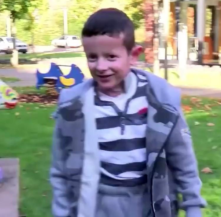 Сейчас Хассану 9 лет. Его семья осталась в Германии. Мальчик ходит в школу, занимается спортом