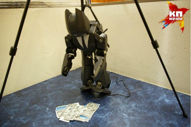 Напарников робота-чиновника отучают от взяток