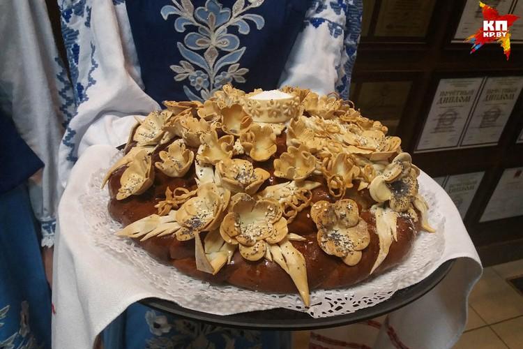 Жерара Депардье встретили хлебом с солью