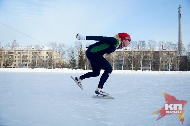 С 2002 года выступает за сборную России. Чемпионка России на дистанции 1000 метров в 2003 и 2007 годах