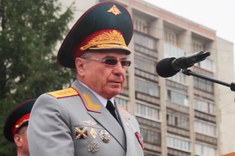 Генерал-полковника Николая Ткачева обвиняют в причастности к трагедии в небе над Украиной.