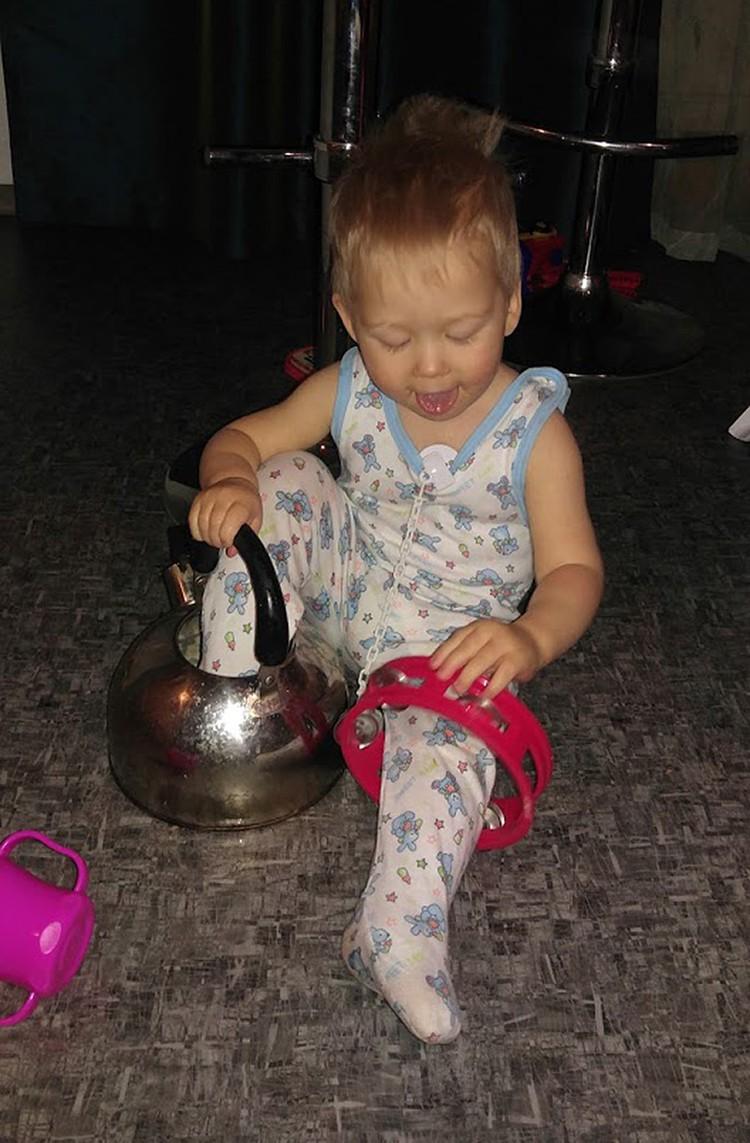 Федор с чайником и бубном