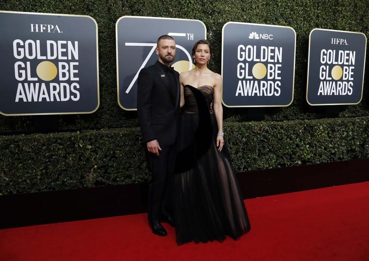 Джастин Тимберлейк с женой Джессикой Бил.