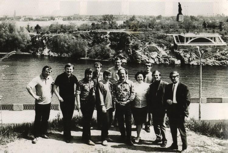Лидия Кармальская 5 лет - до 7 месяца беременности сыном Володей - была участницей «Песняров». На фото 1972 года ансамбль в Днепропетровске. Фото: личный архив