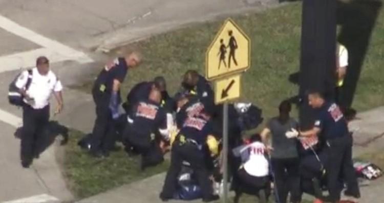 Не менее 14 человек пострадали во время стрельбы