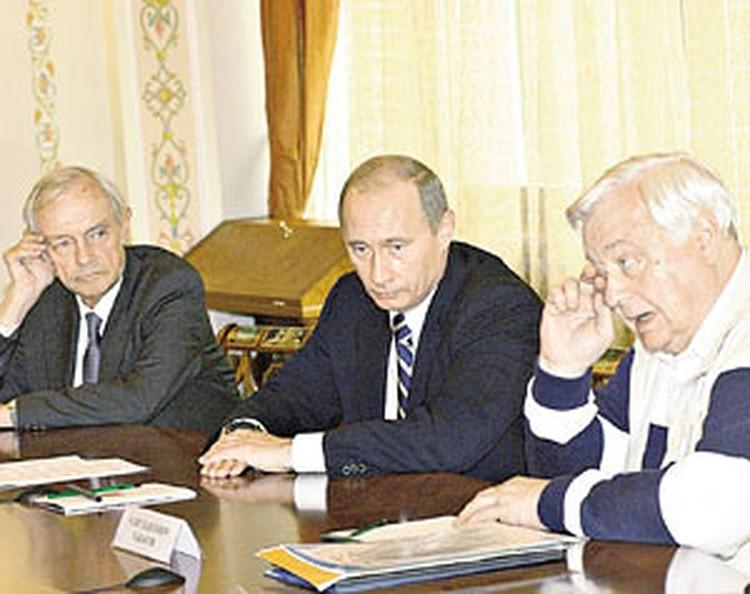 Олег Табаков приехал в Ново-Огарево без галстука