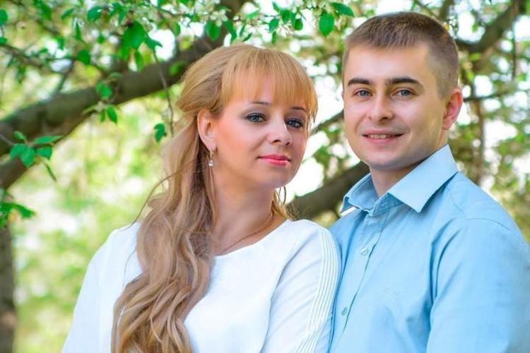 """Анна и Дмитрий Заречневы вместе с сыном смогли выбраться из огненной ловушки в ТЦ """"Зимняя вишня"""""""