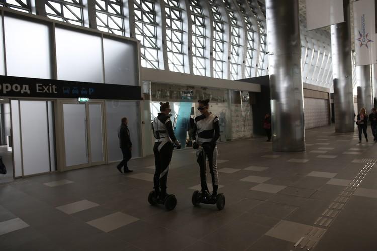 Роботы здесь повсюду.