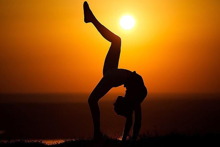 Наш поясничный отдел и позвоночник постоянно страдают от нехватки физической активности