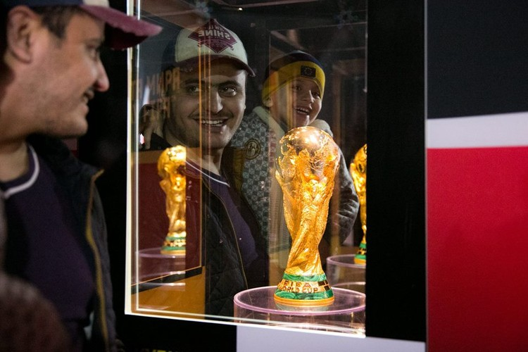 Оригинал Кубка мира по футболу пробудет в Ростове три дня. Фото: FIFA World Cup Trophy Tour