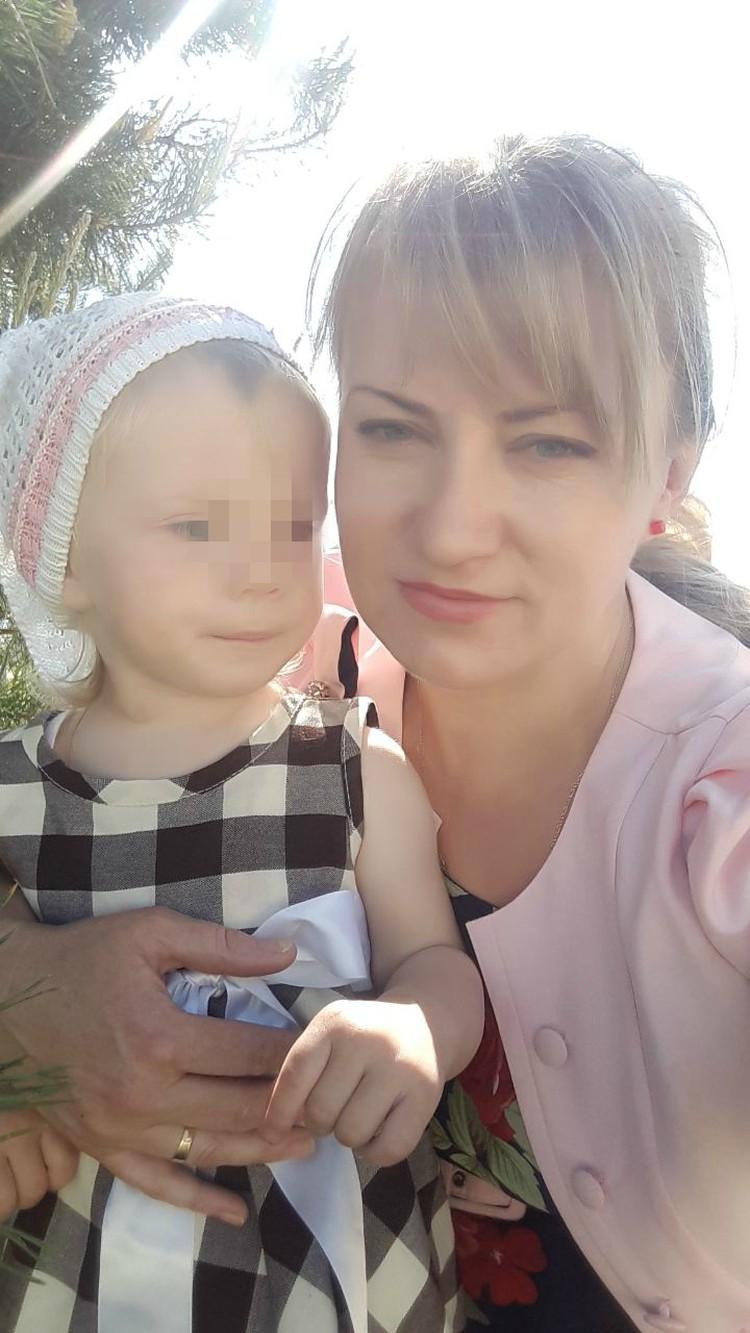 Иришку ждала вся родня, единственная девочка среди детей Натальи и Алексея