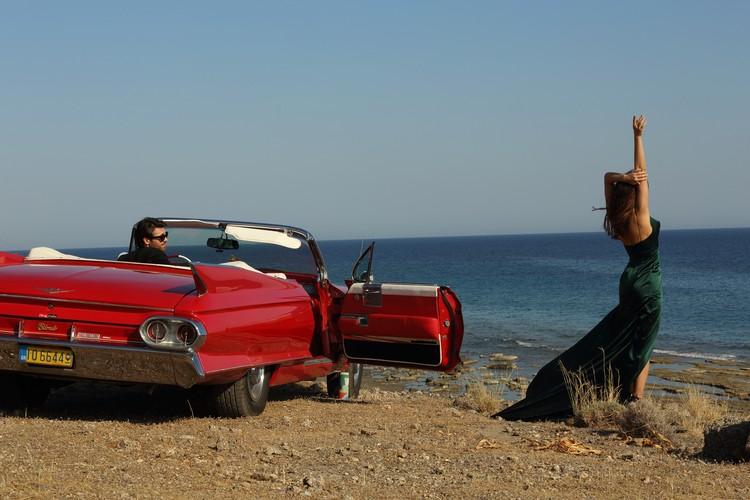 Съемки клипа проходили в самых живописных уголках острова Крит.