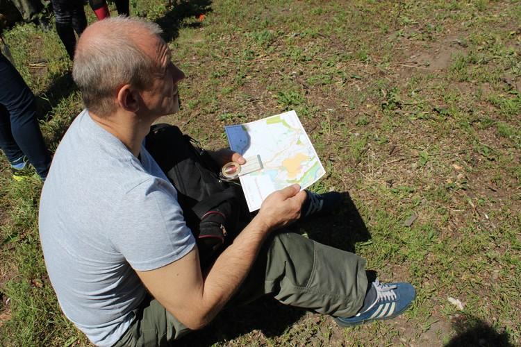 Воронежцы научились ориентироваться на местности с помощью компаса и карты