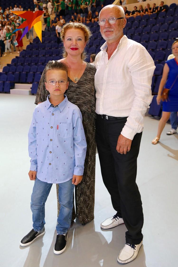 Татьяна Абрамова и Юрий Беляев с сыном Сашей.