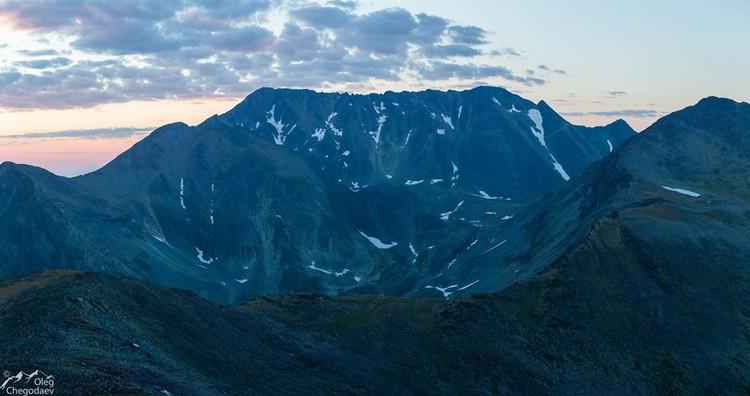 Гора Тельпосиз. Поднимается в небо на 1619 м и является высшей точкой Северного Урала